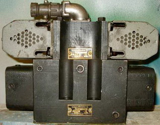Гидрораспределитель (золотник) 64ПГ73-24